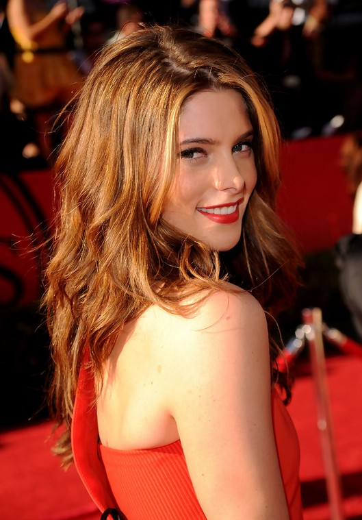Long Brunette Hairstyle for Women - Ashley Greene Brunette Hairstyle