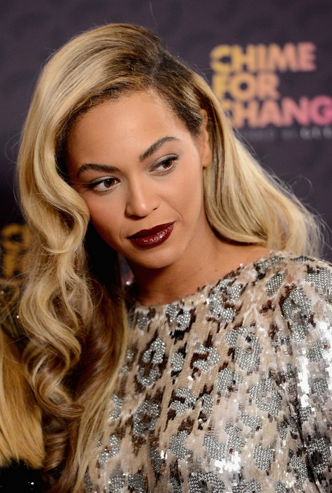 Side Parted Long Hairstyle Beyonce Knowles Wavy Hair