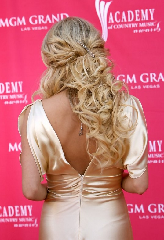 Carrie Underwood Half Up Half Down Hairstyle for Prom Wedding