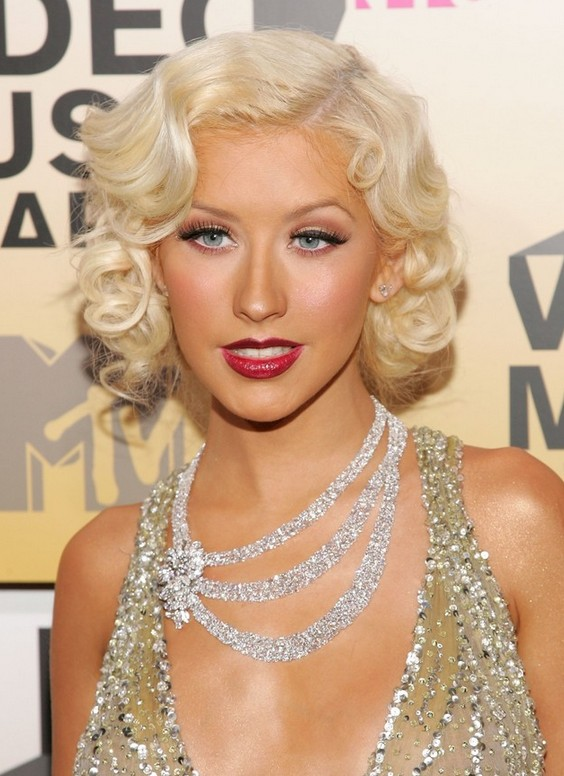 Christina Aguilera Short Curly Bob