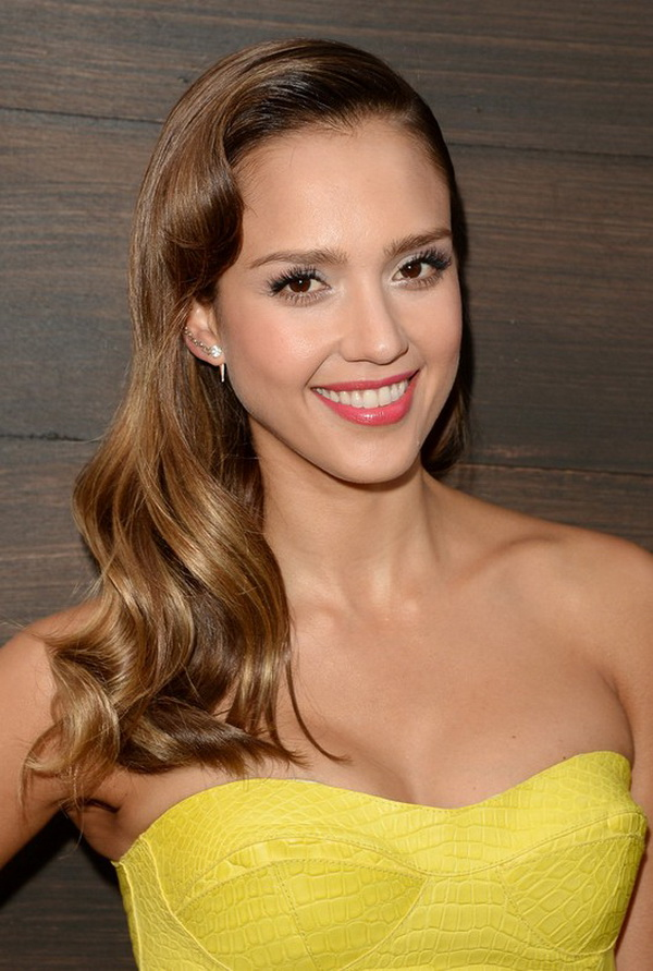 Jessica Alba Long Wavy Hairstyle