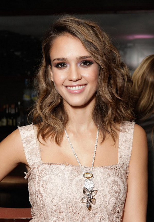 Jessica Alba Medium Hairstyle