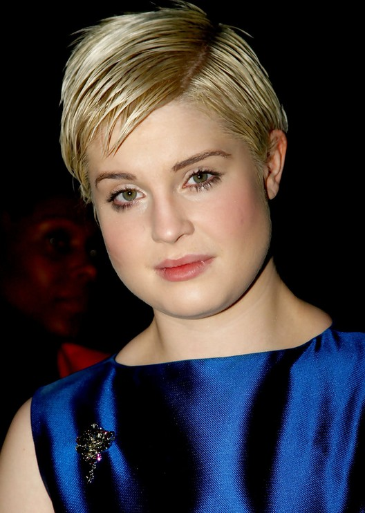 Kelly Osbourne Short Hairstyle