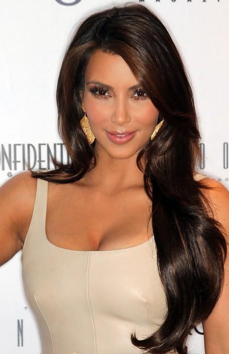 Kim Kardashian Long Wavy Hairstyle