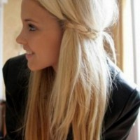 Layered Long Blonde Hairstyles for Girls