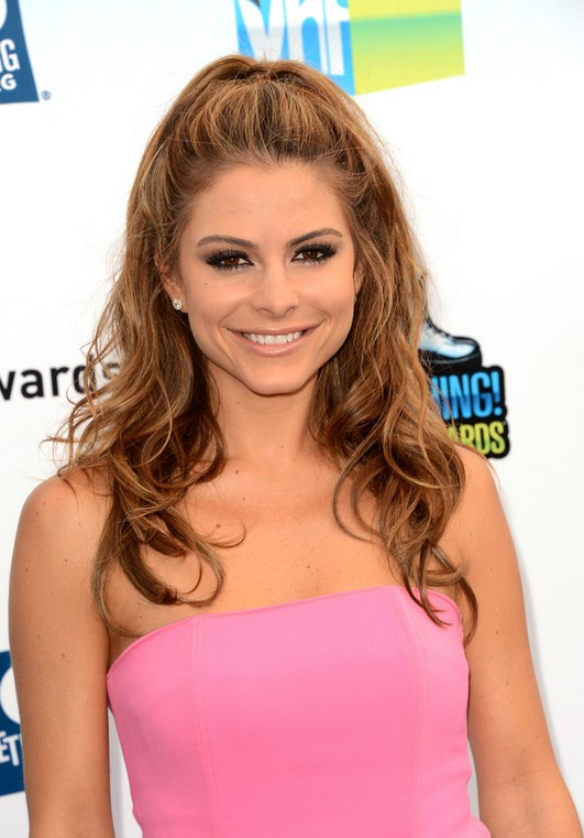 Maria Menounos Half Up Half Down Hairstyle for Prom