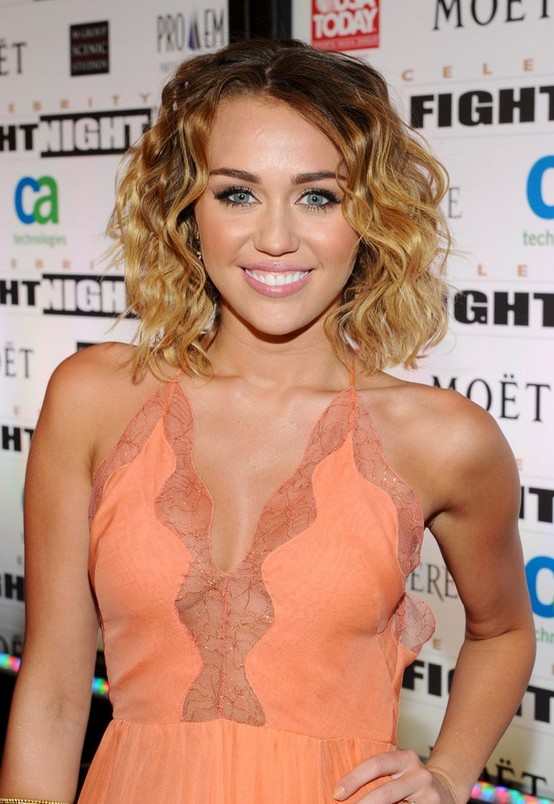Miley Cyrus Medium Ombre Curly Hairstyles