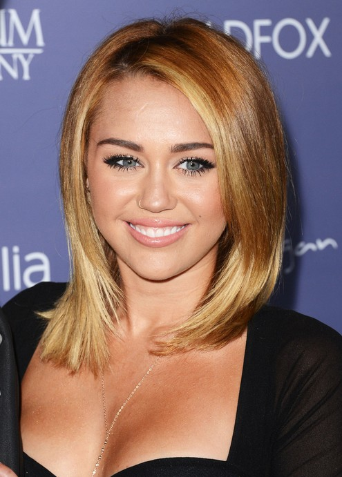 Miley Cyrus Medium Straight Hairstyle
