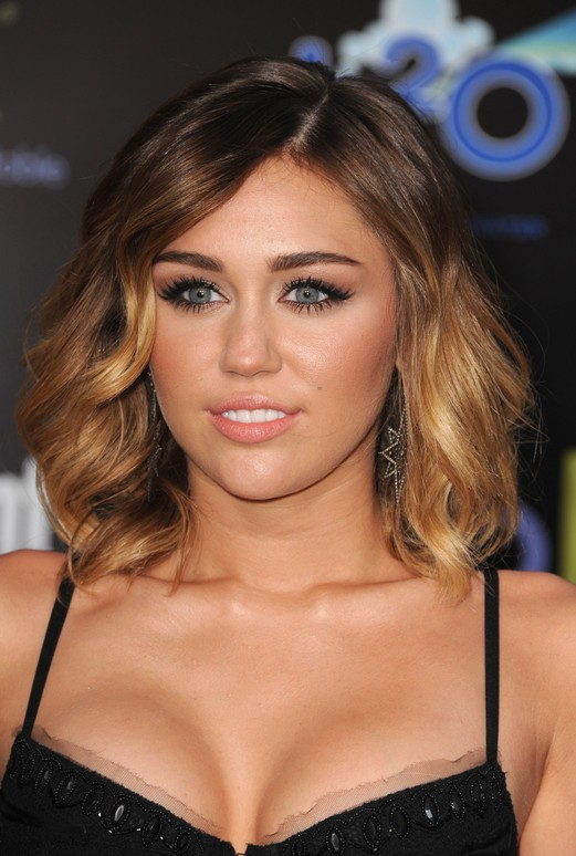 Miley Cyrus Short Ombre Bob
