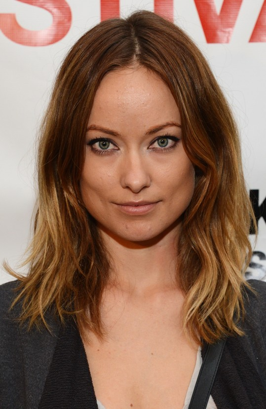 6 Olivia Wilde Hair Color Ideas Center Parted Shoulder Length With Waves