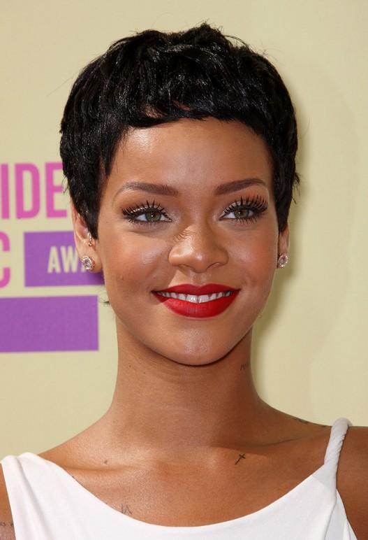 rihanna new hairstyle : Rihanna Hairstyles - Celebrity Latest Hairstyles 2016