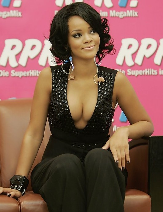 Rihanna Short Curly Hairstyle