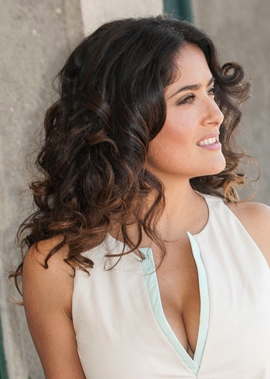 Salma Hayek Medium Curly Hairstyles