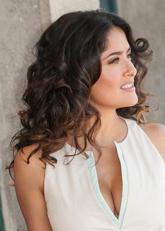 Salma Hayek Medium Curly Hairstyles
