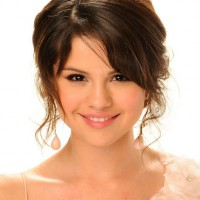 Selena Gomez Romantic Messy Updo