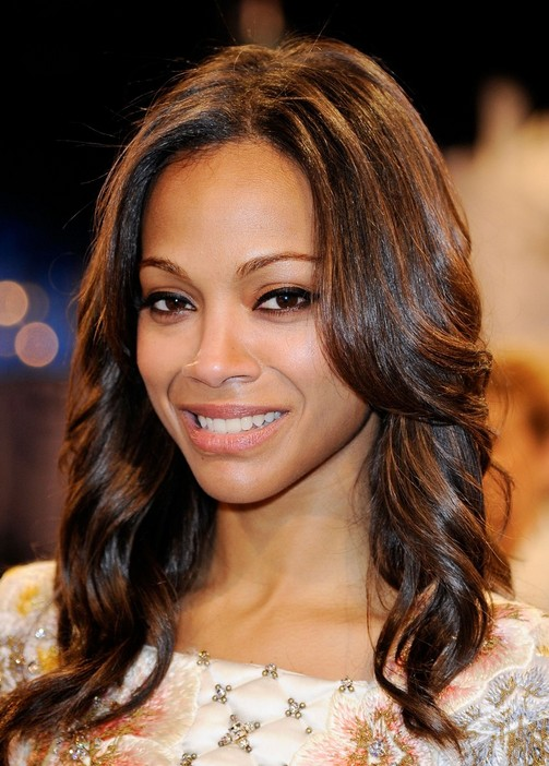 Zoe Saldana Long Feathered Wavy Hairstyle