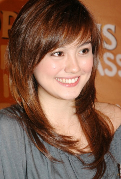 Tremendous Cute Red Hairstyle With Bangs Agnes Monica Hairstyles Styles Short Hairstyles For Black Women Fulllsitofus