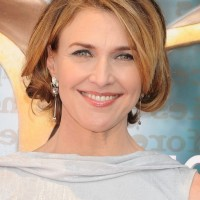 Brenda Strong Layered Bob Hairstyle for Women