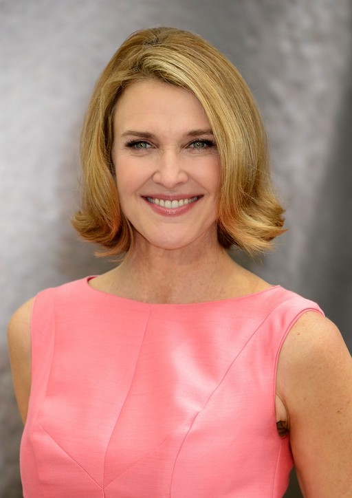 Brenda Strong Shoulder Length Bob Hairstyle Styles Weekly