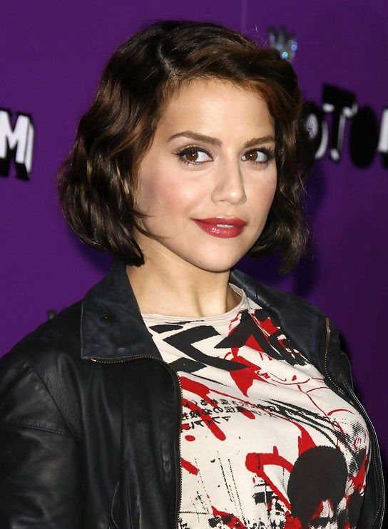 Brittany Murphy Short Curly Bob Hairstyle for Spring