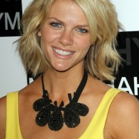 Brooklyn Decker Layered Short Bob Hairstyle for Thick Hair
