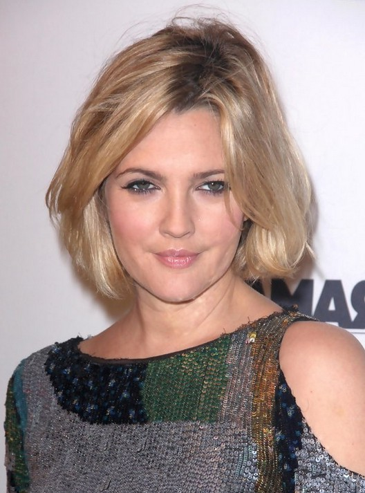 Drew Barrymore Short Bob Hairstyles for Moms | Styles Weekly