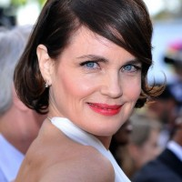 Elizabeth McGovern Short Bob Hairstyle with Bangs