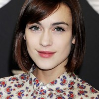 Ella Catliff Cute Short Bob Hairstyle with Side Swept Bangs