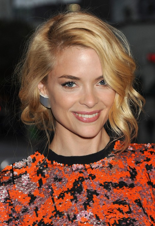 Jaime King Short Haircut: Trendy Curly Bob Hairstyle