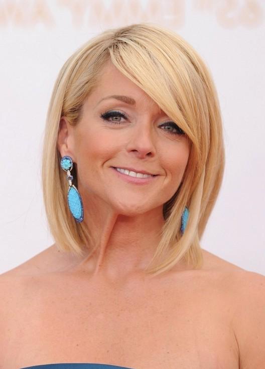 Jane Krakowski Short Blonde Bob Hairstyle for Women Over 40 | Styles ...
