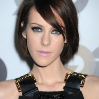 Jena Malone Short Bob Haircut with Bangs