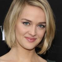 Jess Weixler Layered Short Bob Hairstyle for Women
