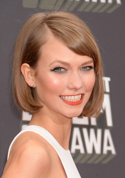 Awesome Karlie Kloss Classic Short Bob Hairstyle With Bangs Styles Weekly Short Hairstyles Gunalazisus