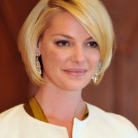 Katherine Heigl Short Sleek Bob Hairstyle with Bangs