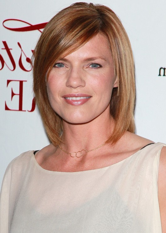 Kathleen Rose Perkins Short Straight Bob Hairstyle for Round Face Shapes