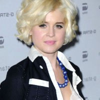 Kelly Osbourne Short Layered Bob Hairstyle with Curls