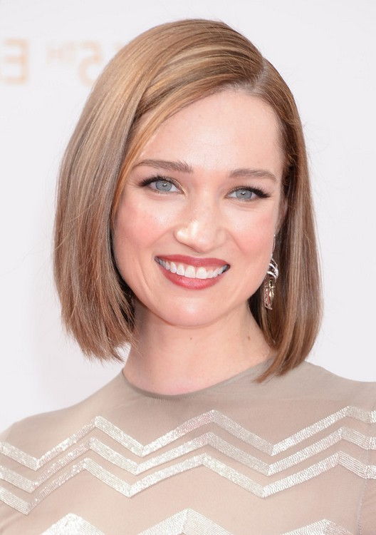 Kristen Connolly Short Bob Haircut for Party