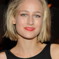 Leelee Sobieski Short Blunt Bob Hairstyle for Girls