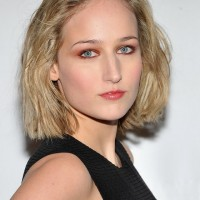 Leelee Sobieski Short Textured Blunt Bob Haircut