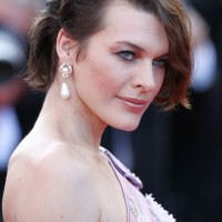 Milla Jovovich Short Choopy Messy Bob Hairstyle