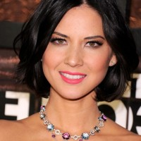 Olivia Munn Center Parting Black Bob Hairstyle with Curls