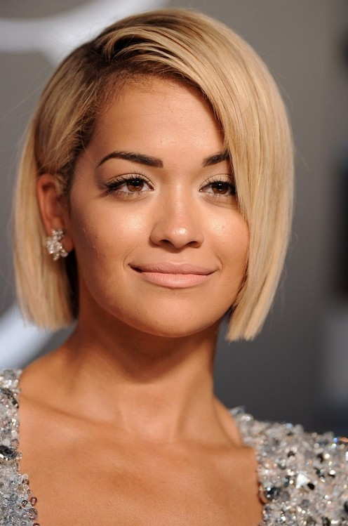 ... Bob Hairstyle: Chic Short Haircut for Round Face Shapes /Getty images
