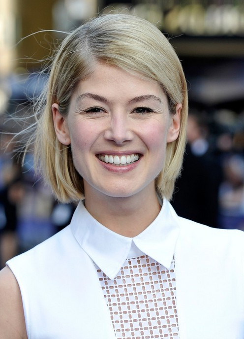 Chic Bob For Fall Rosamund Pike Short Blonde Bob Hair