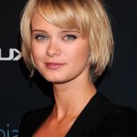 Sara Paxton Cute Short Bob Haircut with Bangs for Girls