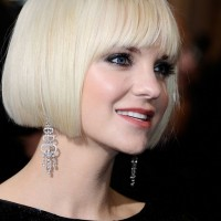 Side View of Anna Faris Short Blunt Bob Hairstyle