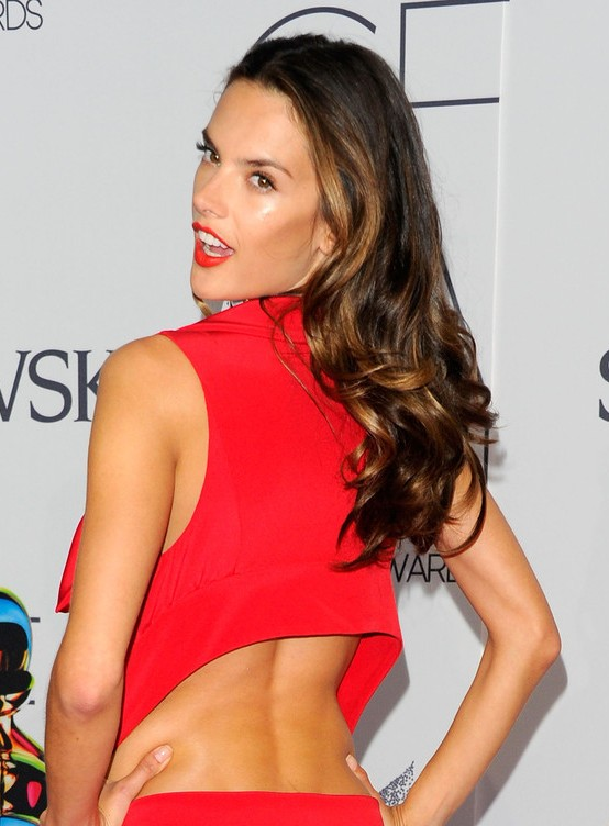 Alessandra Ambrosio Hairstyles: Sexy Long Hair
