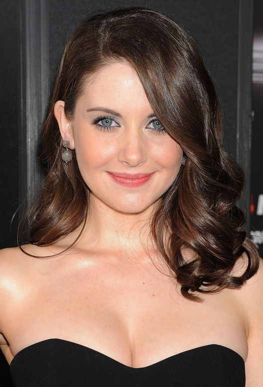 Alison Brie Hairstyles for Prom