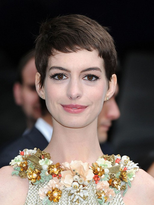 Anne Hathaway Cute Short Pixie Cut with Short Bangs