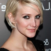 Celebrity Ashlee Simpson Short Graduated Bob Haircut for Thin Hair