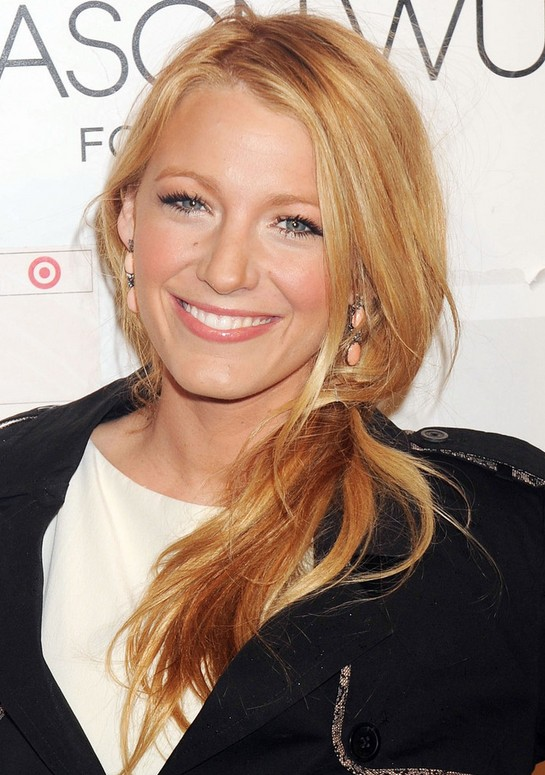 Blake Lively Loose Ponytail: Blonde Long Hair Ideas